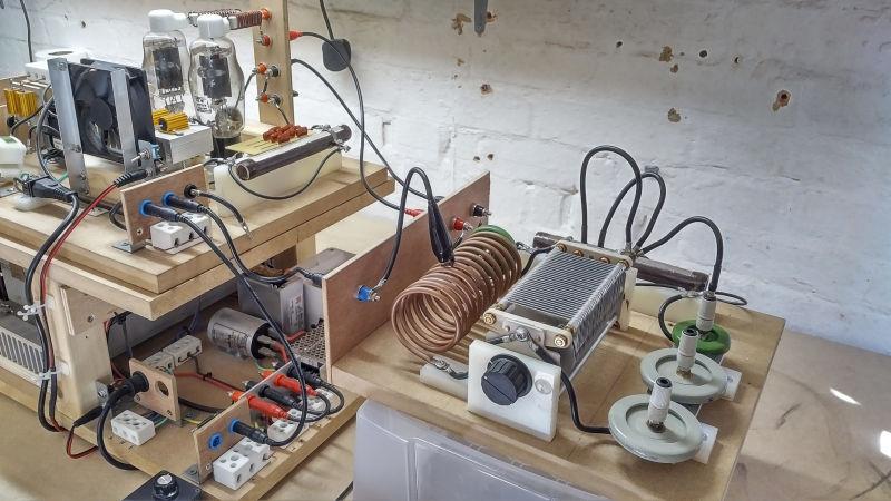 high-voltage-supply-1-2-5