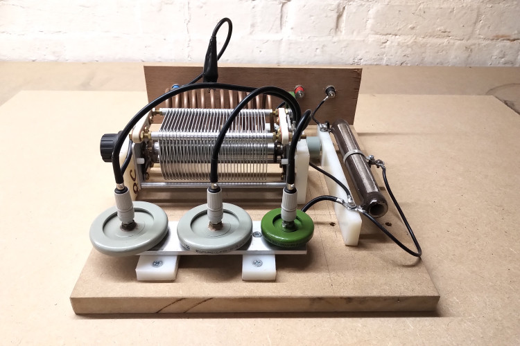 vacuum-tube-generator-1-4-5