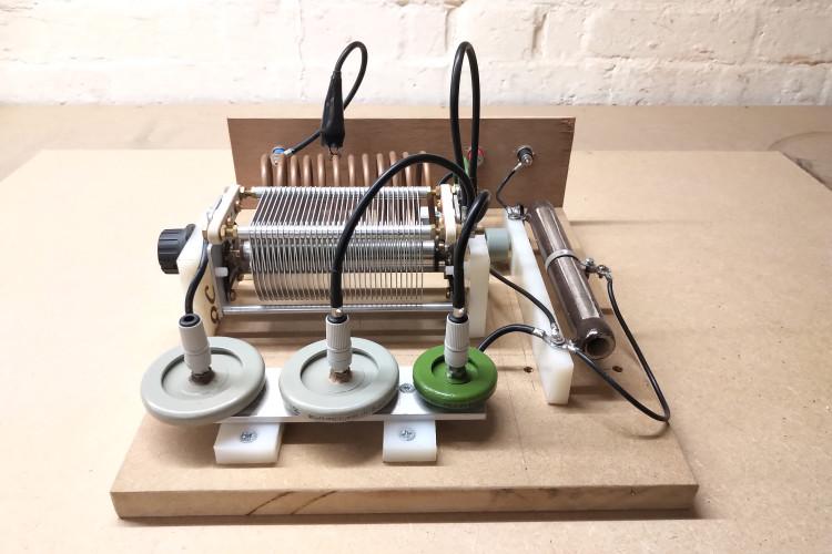 vacuum-tube-generator-1-4-6